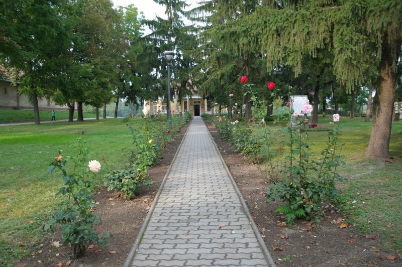 Kenyeres-kert bejárat
